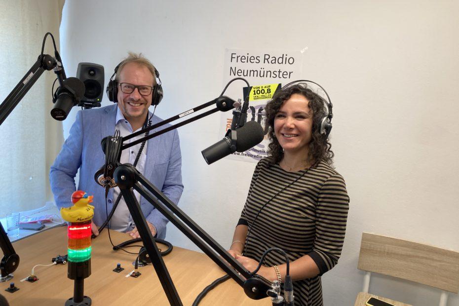 Tobias und Nasanin Bergmann im Studio